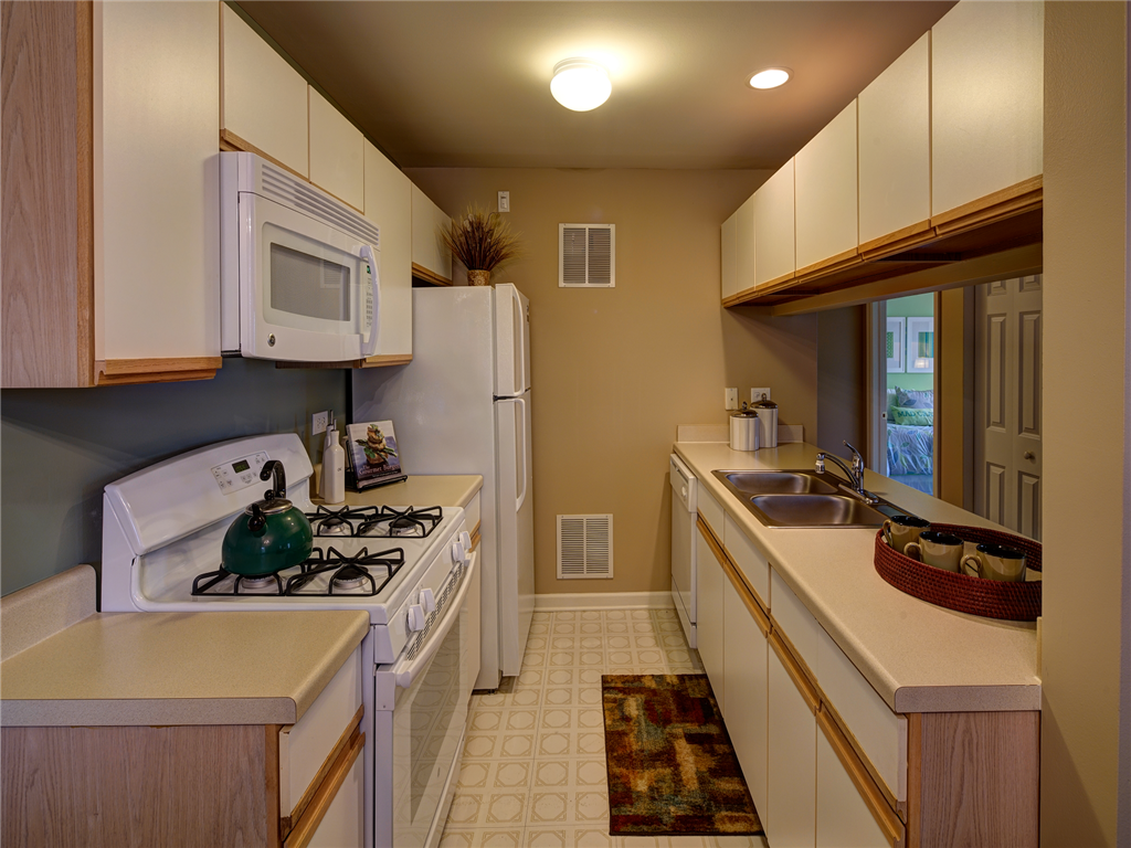 Galley Style Kitchen at HighPoint Community Apartments, Romeoville, IL, 60446