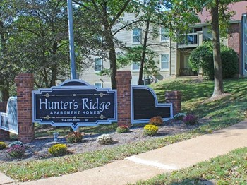 5625 Hunters Valley Court 2 Beds Apartment for Rent Photo Gallery 1