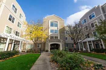430 NE 16th Avenue Studio-2 Beds Apartment for Rent Photo Gallery 1