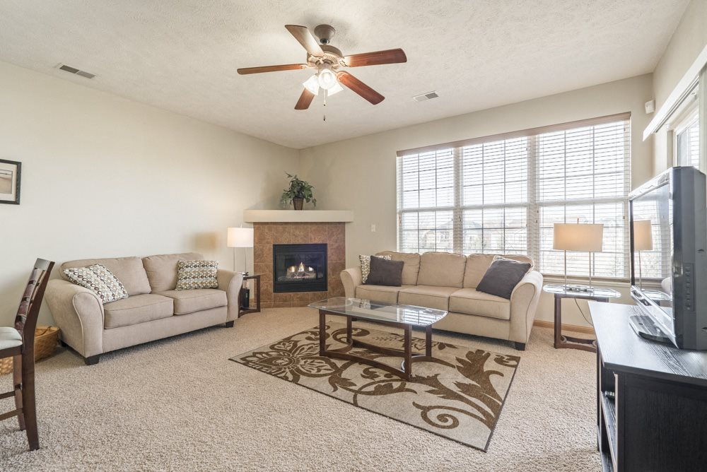 Interiors-Large windows with natural light in the living room at Stone Ridge Estates townhomes
