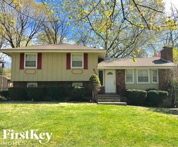 8101 Willow Way 3 Beds House for Rent Photo Gallery 1