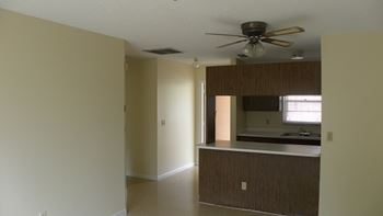 3031 - 3045  Springfield Lane 1 Bed Apartment for Rent Photo Gallery 1
