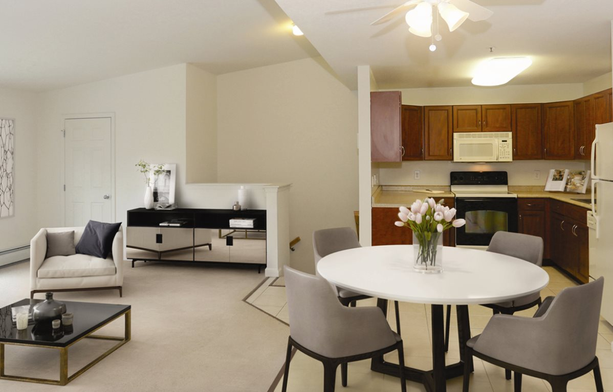 Medford Pond | Apartments For Rent in Medford, NY