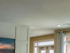 Wood Floor Laminate at Watermark Apartments, Norfolk