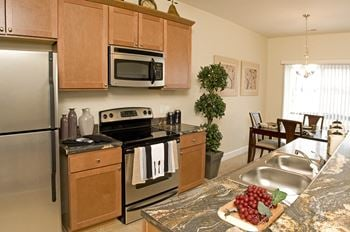 700 Pond View Heights 1-3 Beds Apartment for Rent Photo Gallery 1