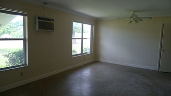 210 7th Street 1-2 Beds Apartment for Rent Photo Gallery 1