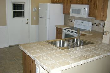 5035 El Claro Circle 2 Beds Apartment for Rent Photo Gallery 1