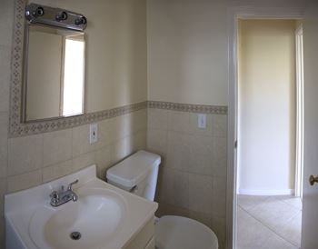 215 Conniston Road 1 Bed Apartment for Rent Photo Gallery 1
