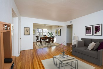2125-2157 Monroe Avenue Studio-2 Beds Apartment for Rent Photo Gallery 1