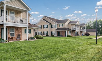 350 Westview Commons Blvd 1-2 Beds Apartment for Rent Photo Gallery 1
