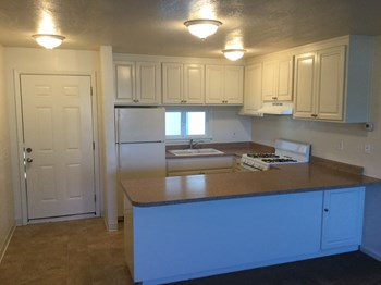 1180 Sonoma Avenue 2 Beds Apartment for Rent Photo Gallery 1