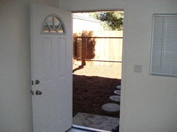 1216 San Pablo Avenue 2 Beds Duplex/Triplex for Rent Photo Gallery 1