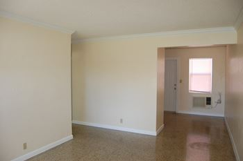 5714-5716 Webster Ave 1 Bed Apartment for Rent Photo Gallery 1