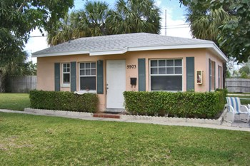 5903-5907 North Flagler Drive Studio-2 Beds Apartment for Rent Photo Gallery 1