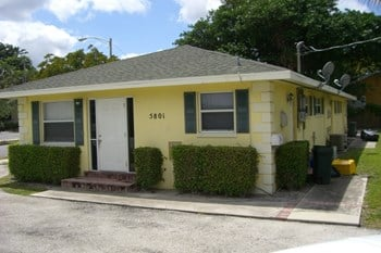 5801 North Flagler Drive 1 Bed Apartment for Rent Photo Gallery 1