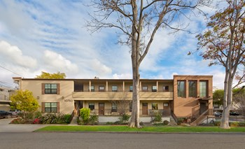 10750 Missouri Ave 2-4 Beds Apartment for Rent Photo Gallery 1