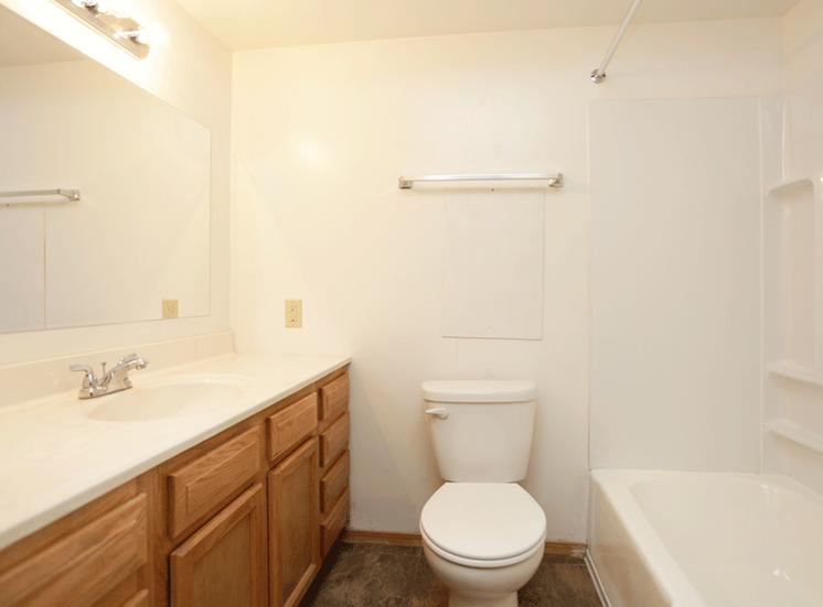 at Hickory Ridge Lake Apartments, Merrillville, 46410