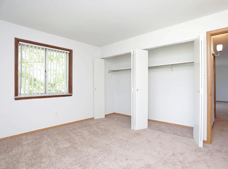 at Hickory Ridge Lake Apartments, Indiana, 46410