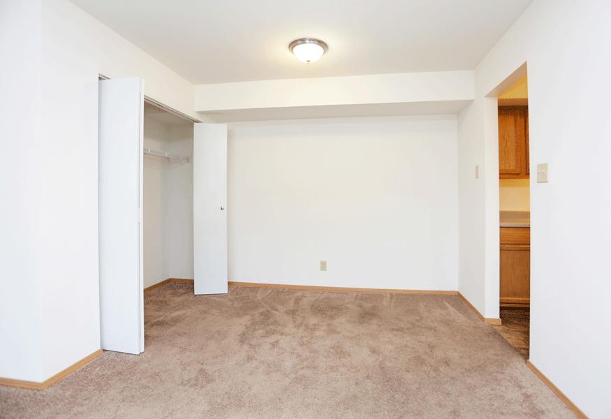 at Hickory Ridge Lake Apartments, Merrillville, IN, 46410