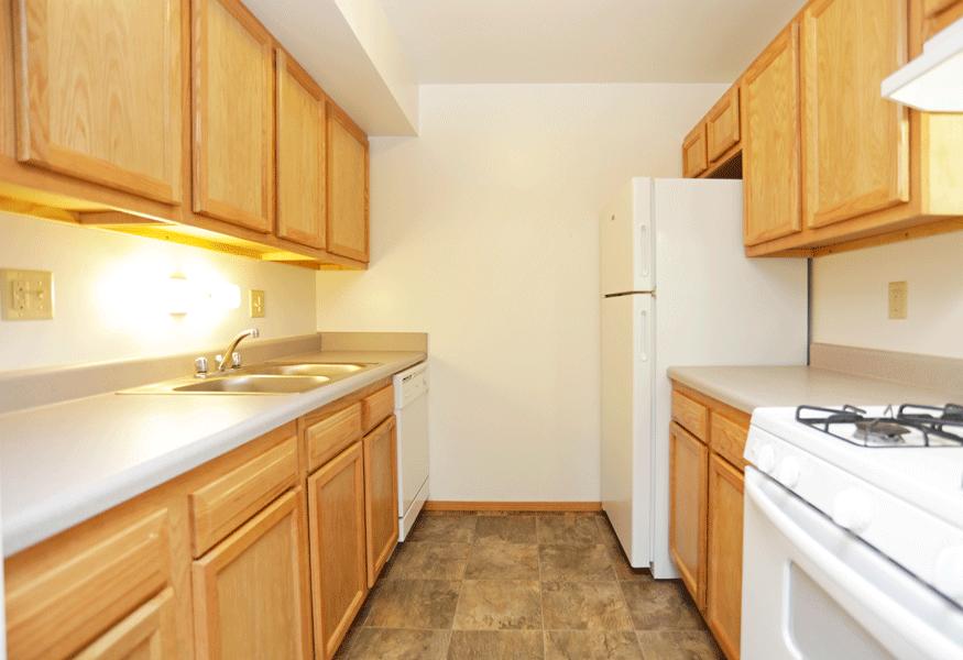 at Hickory Ridge Lake Apartments, Merrillville, IN