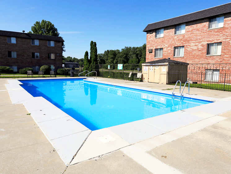 at Hickory Ridge Lake Apartments, Merrillville, Indiana