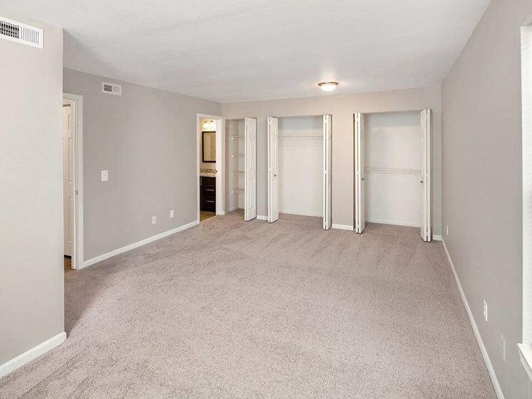 apartments in Howell MI with lots of closet space