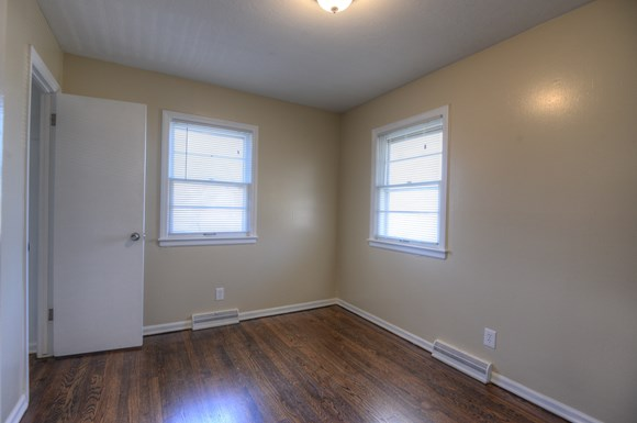bedroom house for rent at 9113 e 43rd terrace kansas city mo