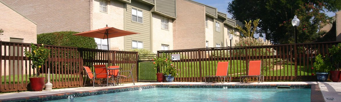 Swimming pool,at Cambridge Court Apartments, Nacogdoches, TX