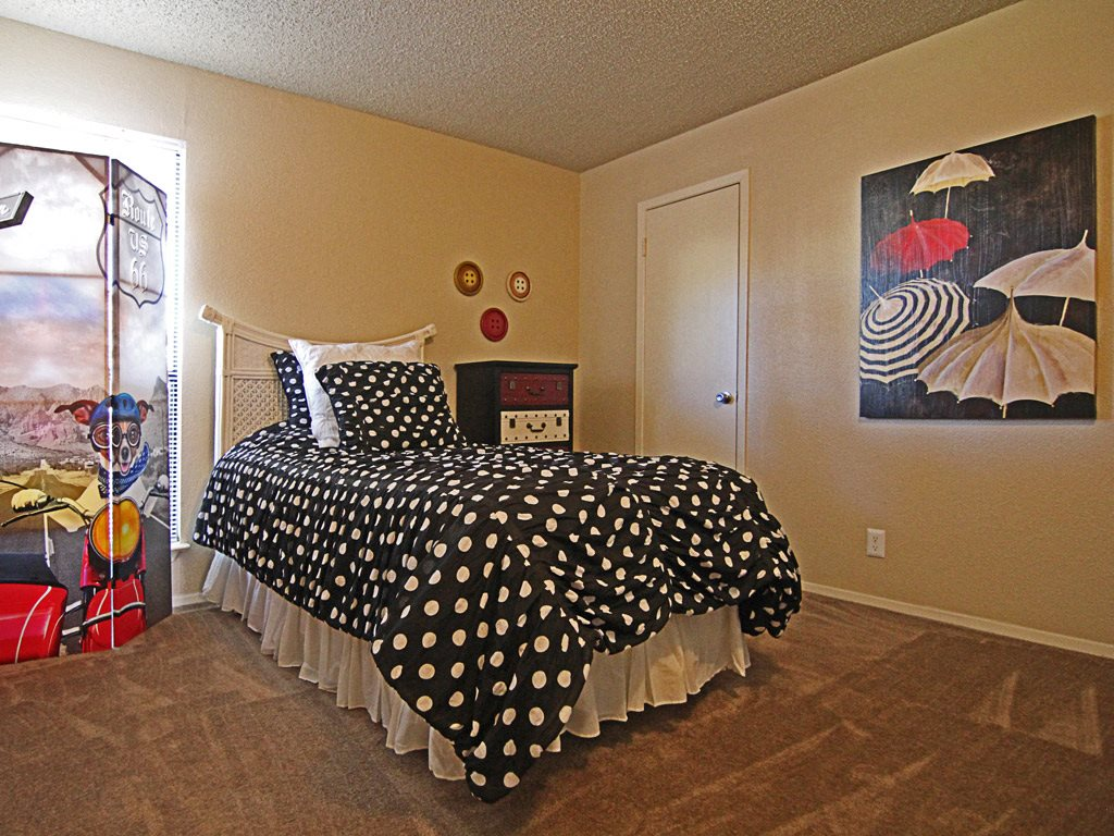 Bedroom at Parks on the Green, TX, 76504