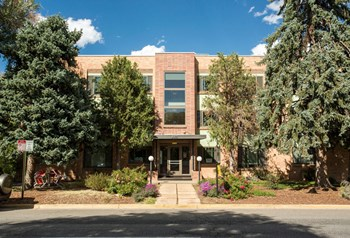 4321 Hale Parkway 1-2 Beds Apartment for Rent Photo Gallery 1