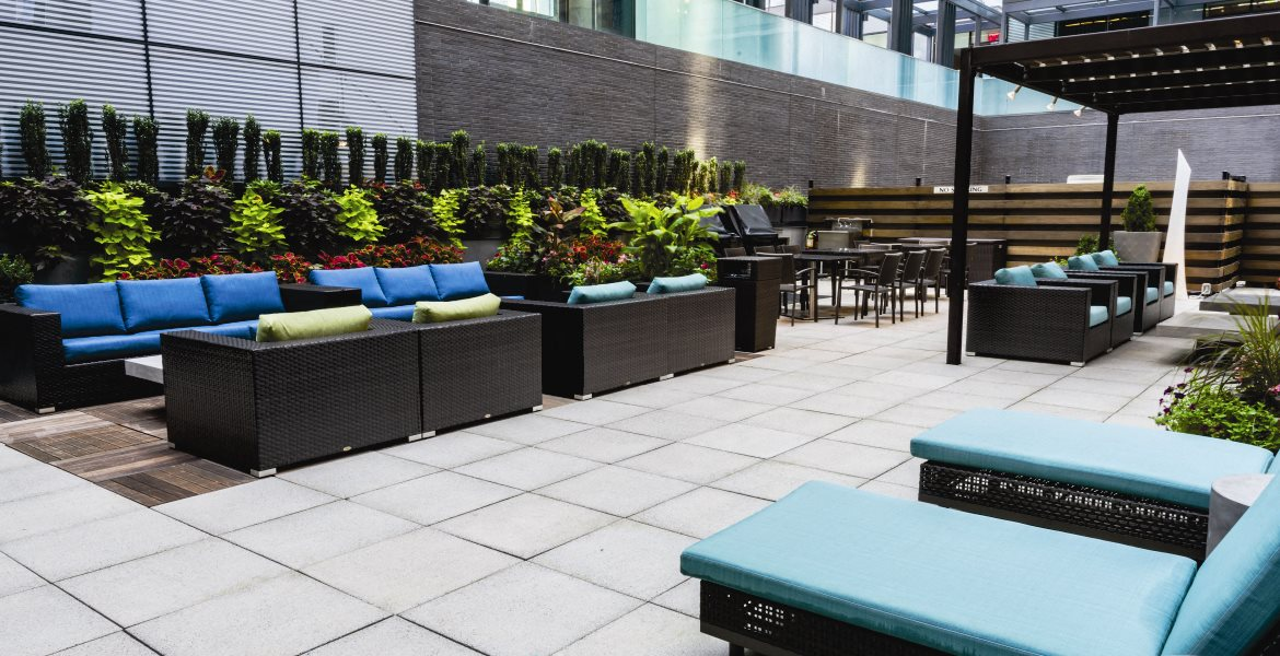 Sundeck with lounge chairs at 27 on 27th, Long Island City