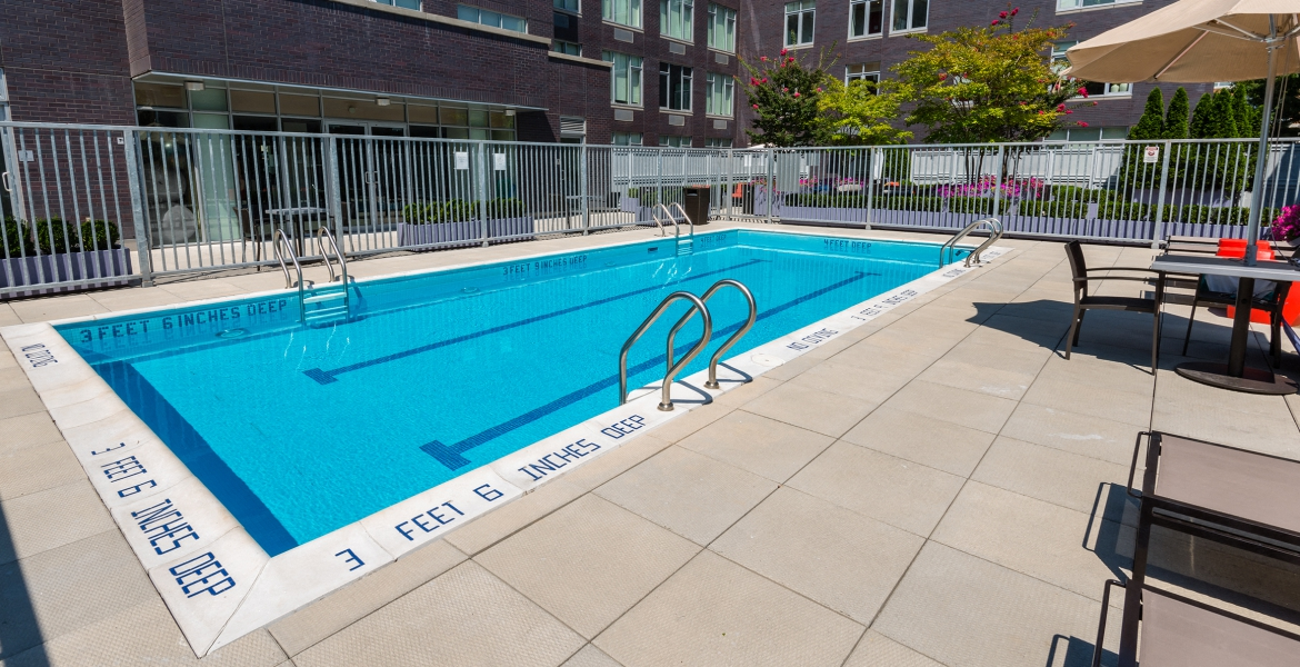 outdoor pool at 568 union brooklyn