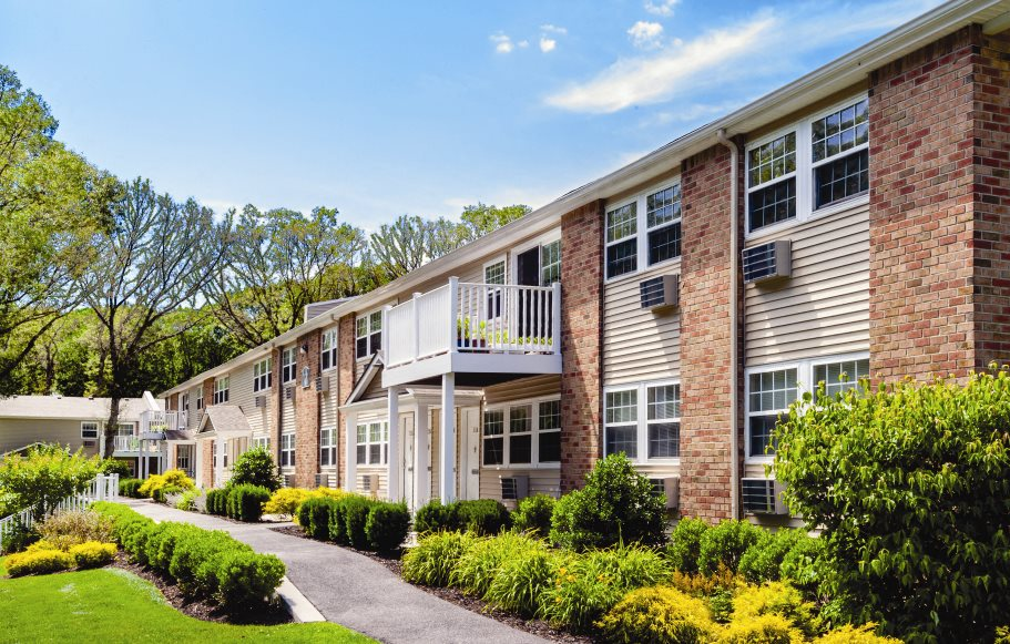 exterior of pinewood village, coram ny