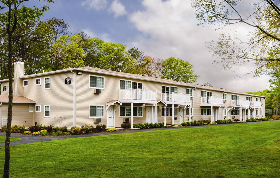 Pine Hills South Luxury Apartments| Apartments For Rent