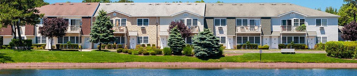 exterior Spruce Pond, Heatherwood Luxury Rentals, Holbrook, NY