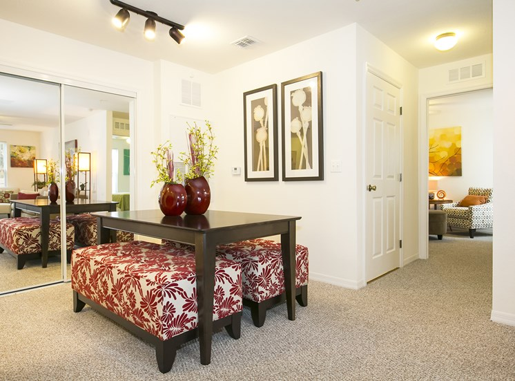 Goldenrod Pointe Apartments for rent in Winter Park, FL. Make this community your new home or visit other Concord Rents communities at ConcordRents.com. Dining room