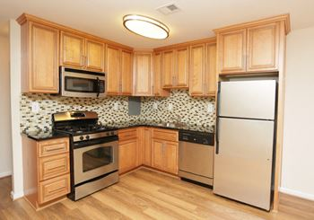 2810 Woodmark Drive 1-3 Beds Apartment for Rent Photo Gallery 1