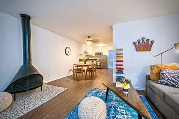 11853 Kling St. Studio-1 Bed Apartment for Rent Photo Gallery 1