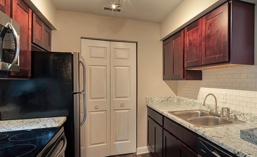 Waterman's Crossing Apartments Kitchen