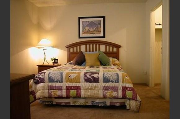 Summerhill Place Apartments 6801 W Ocotillo Glendale Az Rentcaf