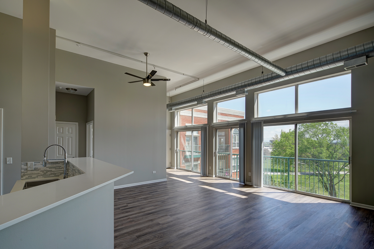 lots of natural light  at City View at the Highlands, Lombard, IL, 60148