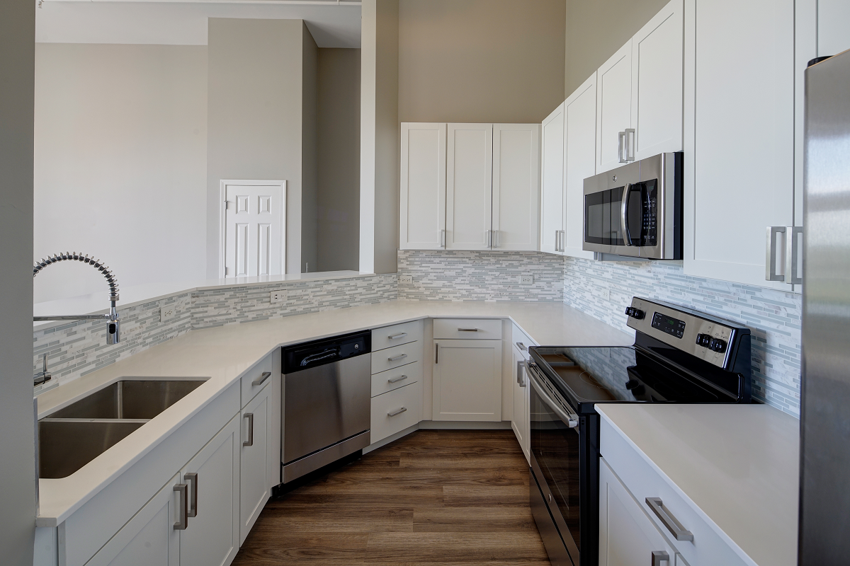 marble countertops at City View at the Highlands, Lombard, IL, 60148