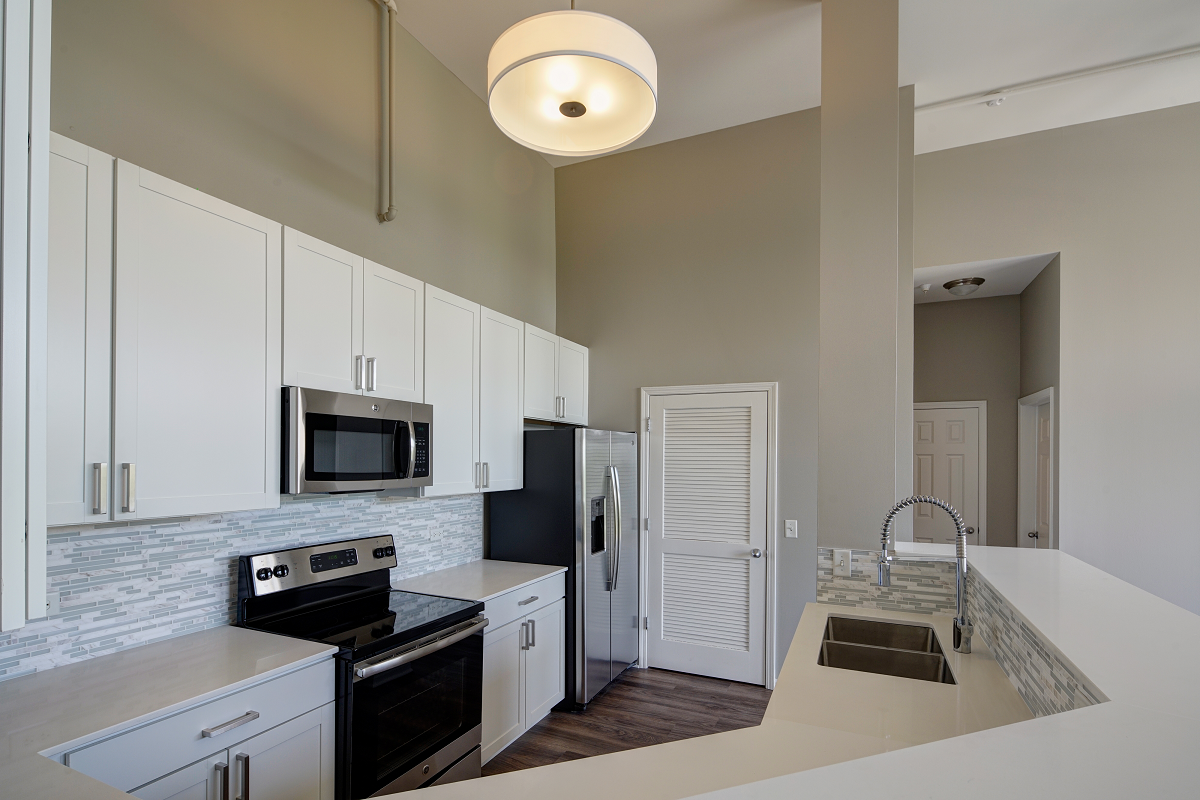 spacious kitchen with breakfast bar at City View at the Highlands, Lombard, IL, 60148