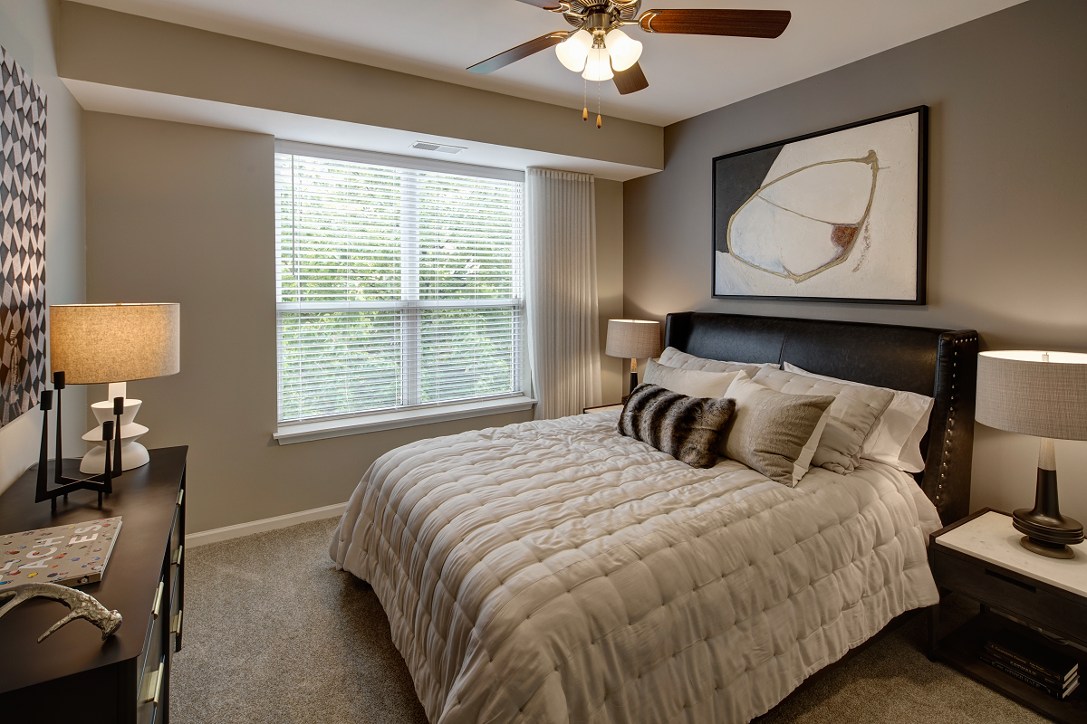 large bedrooms at City View at the Highlands, Lombard, IL, 60148