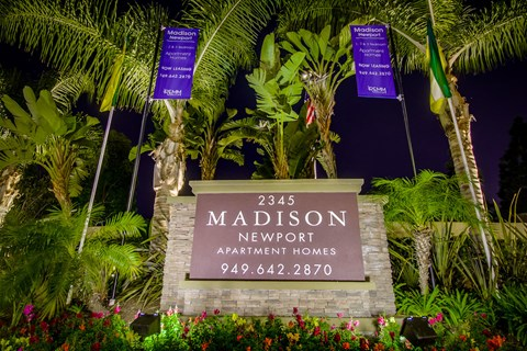 Madison Newport Apartments Exterior Front Sign View