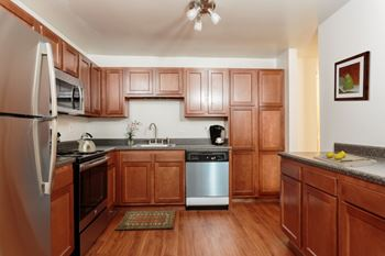 26 Meadowbrook Dr Apt 50 1-2 Beds Apartment for Rent Photo Gallery 1