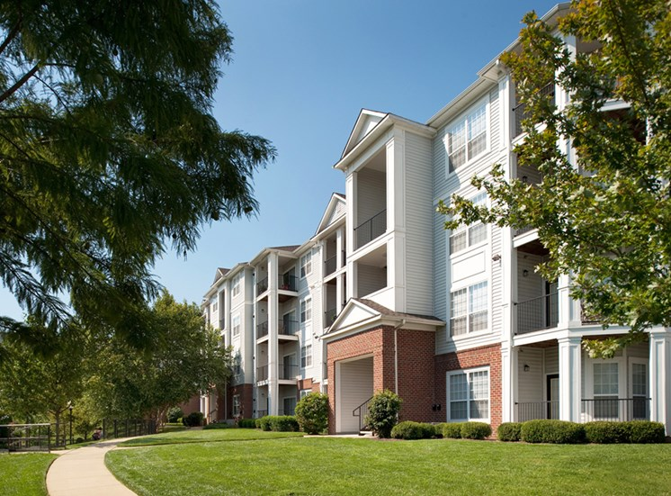 Walking trails at Riverstone at Owings Mills Apartments, Owings Mills, MD,21117
