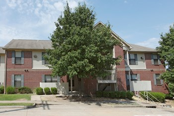 24800 Chenal Parkway 1-3 Beds Apartment for Rent Photo Gallery 1