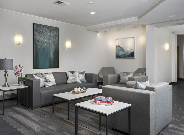 Newly Renovated Resident Lounge at The Bryn, Chicago