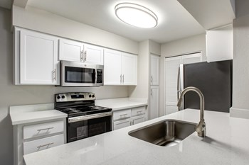 Best Cheap Apartments in Chandler, AZ: from $985 | RENTCafé